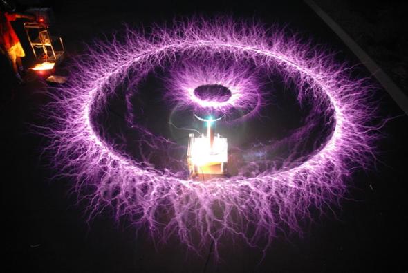 Tesla a découvert comment transmettre de l'électricité dans l'air