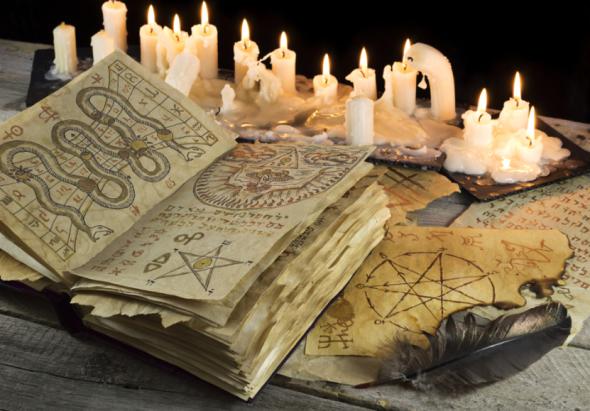 Pour le Christianisme, les techniques antiques étaient considérées comme de la sorcellerie